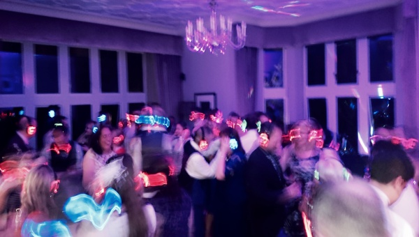 Avengers-Live-Wedding-Band-For-Hire-Silent-Disco