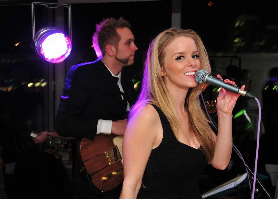 Flowers-Wedding-Band-For-Hire-Singer