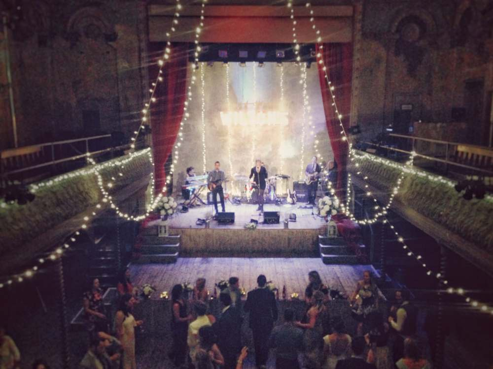 Live-Wedding-Band-Stage