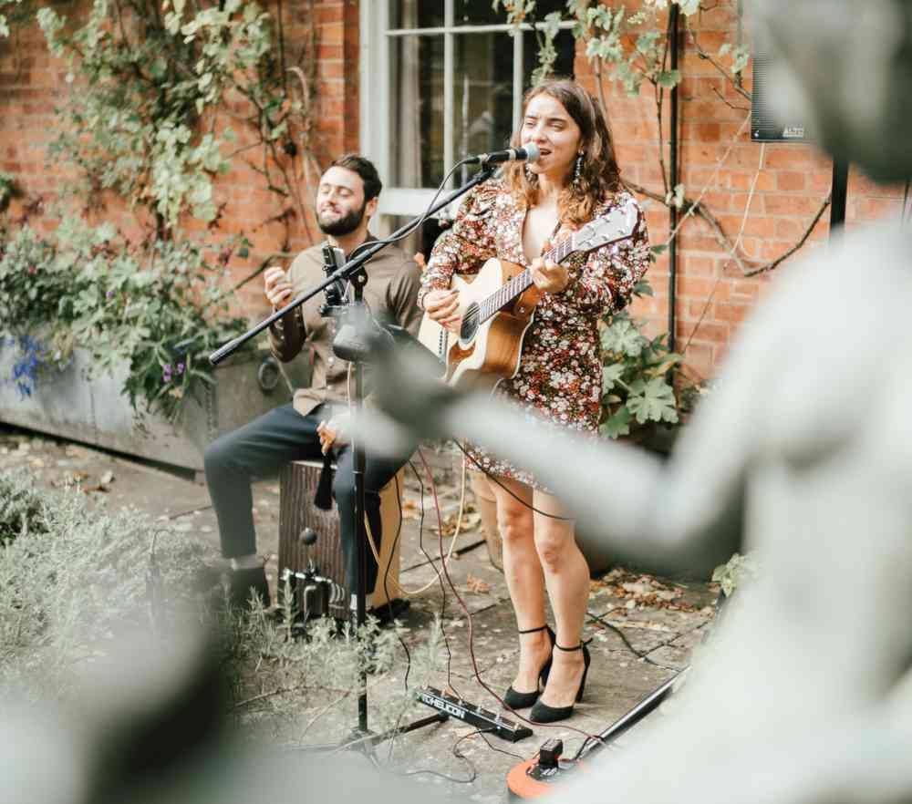 Rae-Live-Acoustic-Folk-Duo
